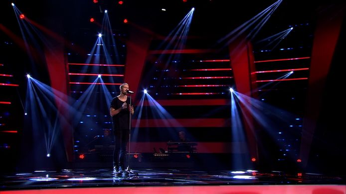 Dani in The Voice.