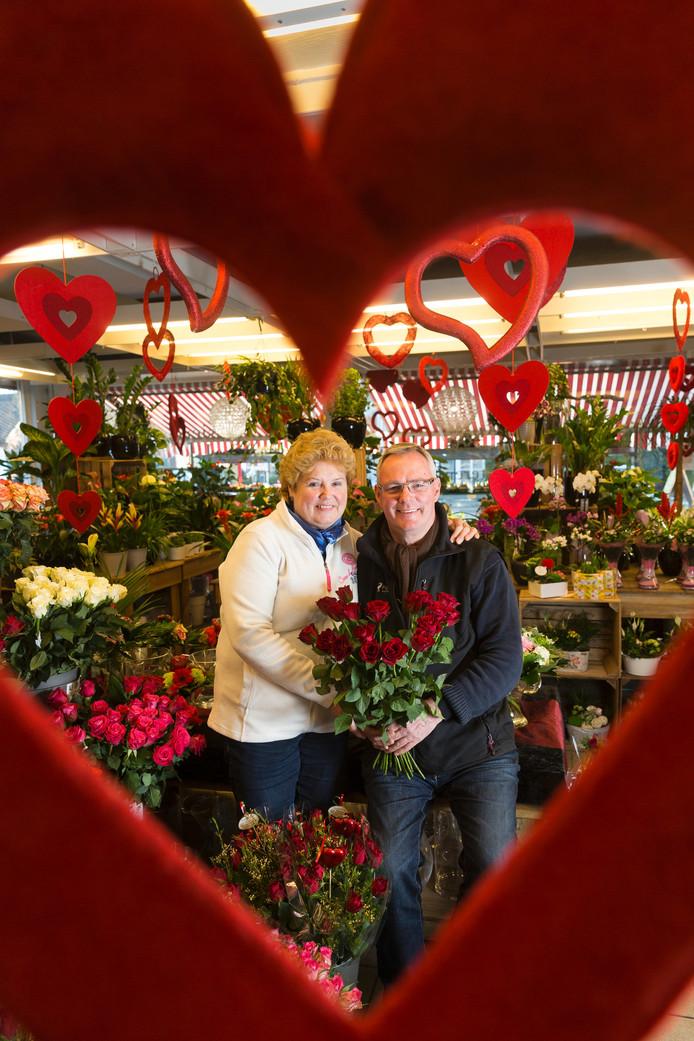 Bloemist Theo van Halteren en vrouw Annie.