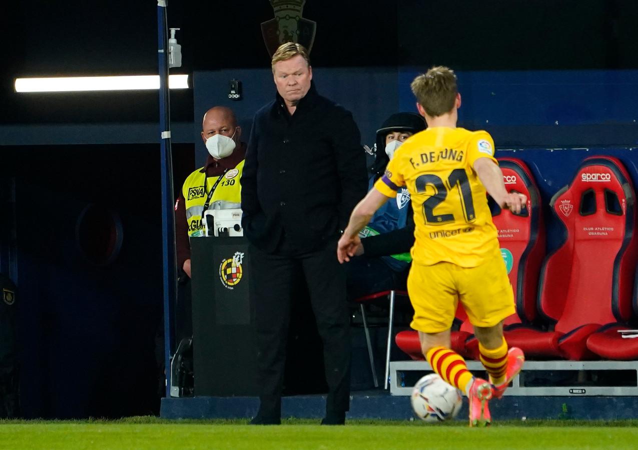 Ronald Koeman en Frenkie de Jong wonnen met FC Barcelona bij Osasuna.