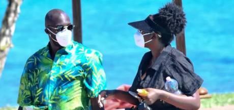Après la déception, les vacances: Lukaku aperçu en Sardaigne en charmante compagnie