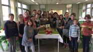 Leerlingen van De Driesprong bedienen ouders in pop-uprestaurant