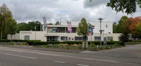Man wil  150.000 euro van Kattendans Bergeijk omdat hij daar van een trapje viel