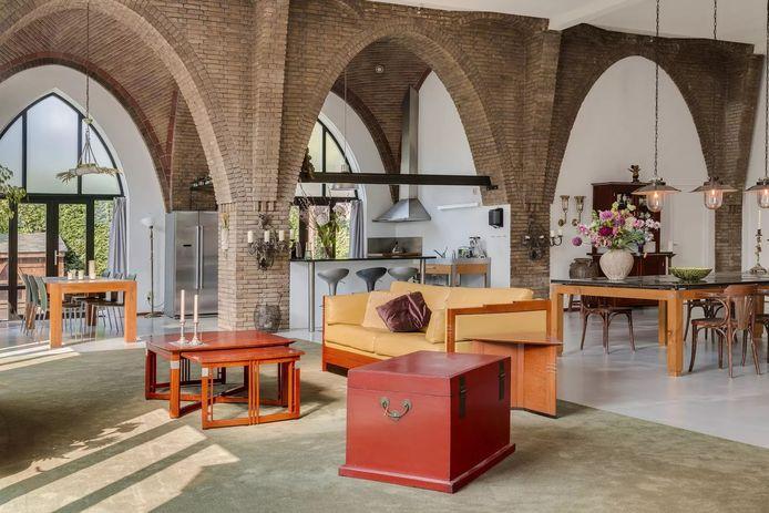 Wonen in de voormalige Sint-Theresiakerk: 445 vierkante meter.