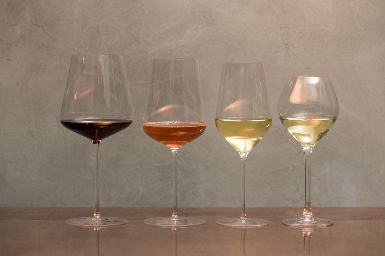 Voor elke wijnstijl bestaat er een eigen glas maar er bestaat ook een universeel glas voor wijnliefhebbers die niet meteen alle soorten glazen in huis willen halen.  Beeld James Arthur/ photonews