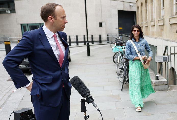 De Britse ex-minister van Volksgezondheid Matt Hancock en zijn topadviseur Gina Coladangelo.