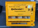 Voor 5 euro kan je een nieuwe binnenband uit de automaat halen.