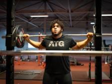 Nijmeegse gewichtheffer Enzo Kuworge blij: EK gaat door
