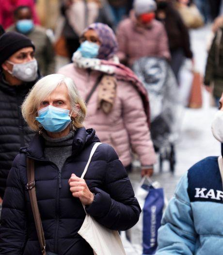 """L'obligation du masque dans les magasins, une """"mesure symbolique"""" selon Comeos"""