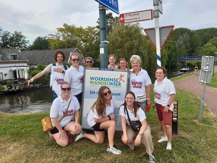 Deelnemers aan de Woerdense Wandelweek.