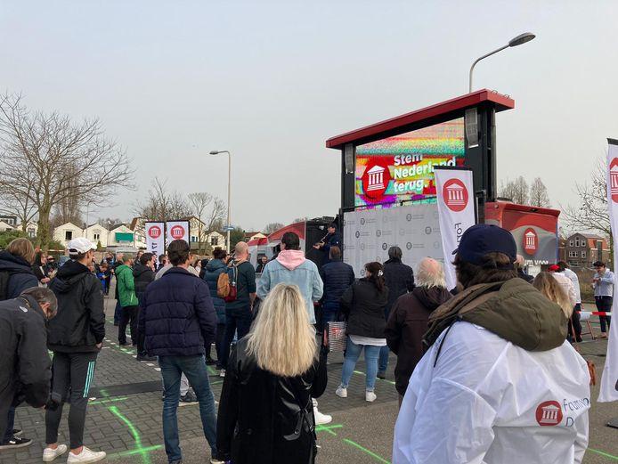 Thierry Baudet en de karavaan van Forum voor Democratie op Klein Amerika in Gouda