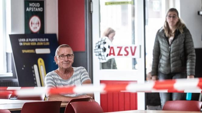 AZSV in Aalten controleert uitsluitend bezoekers die zitten in de kantine: Binnen bier halen, buiten opdrinken