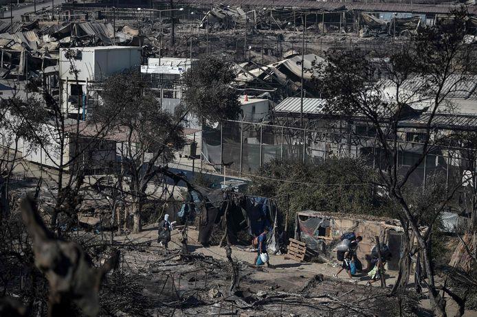 Bij de brand werd het tentenkamp nagenoeg helemaal verwoest.