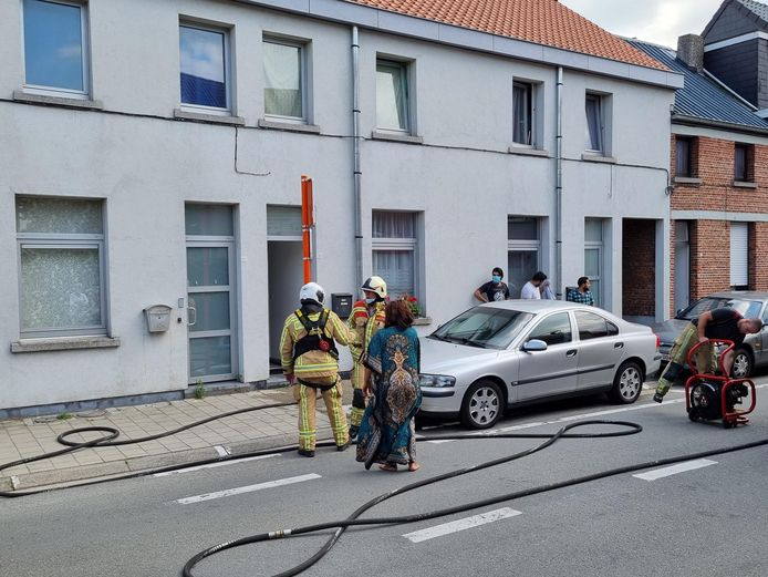 BORNEM - De brandweer kwam ter plaats en kreeg het vuur snel onder controle. De schade in de woning bleef beperkt tot de berging.