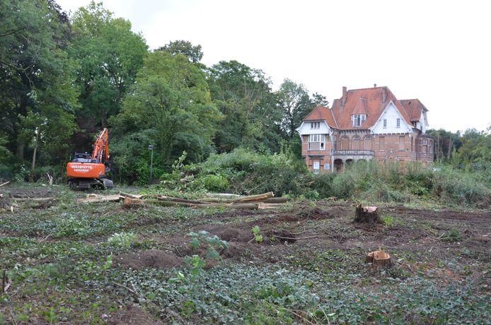 De briefschrijvers vragen om groene ruimte te bewaren voor Villa Geurts.