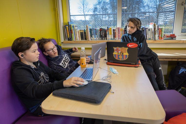 Leerlingen op de Zwolse 'tienerschool'.  Beeld Herman Engbers