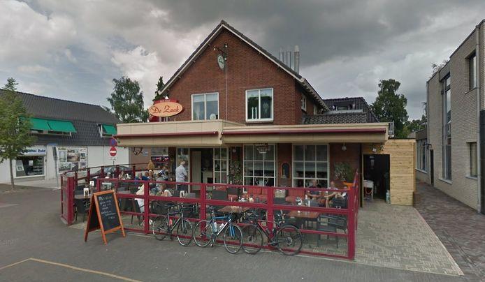 Uiterlijk 1 augustus willen Ferry en Debby Bloemendal hun nieuwe horecagelegenheid De Tijd, Eten en Drinken openen op de locatie in Eerbeek waarin tot voor kort Bistro De Zaak zat.