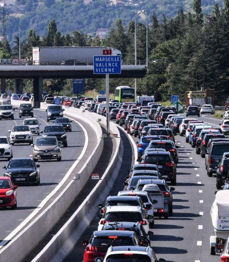 Samedi noir sur les routes françaises: plus de 1.000 km de bouchons
