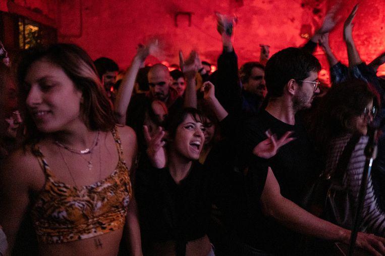 Een nachtclub in Belgrado, die tot oktober nog open waren.  Beeld REUTERS