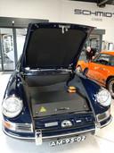De Blitz, een elektrische Porsche 912, met in de kofferbak plek voor accu's.