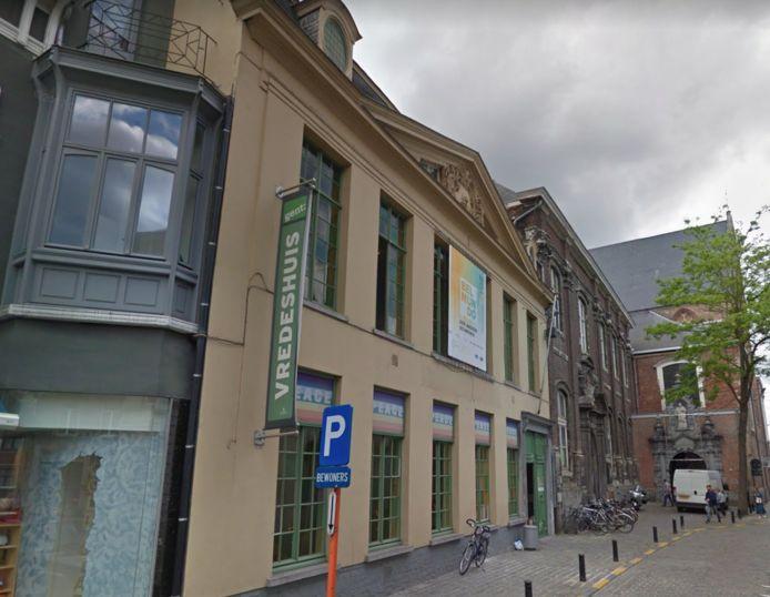 Het Vredeshuis in de Sint-Margrietstraat is dicht