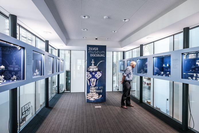 De expositieruimte van het Zilvermuseum in Martinikerk in Doesburg.