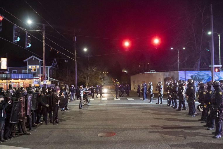 In Portland komen mensen op straat na de dood van de zwarte arrestant Daunte Wright. Beeld AFP