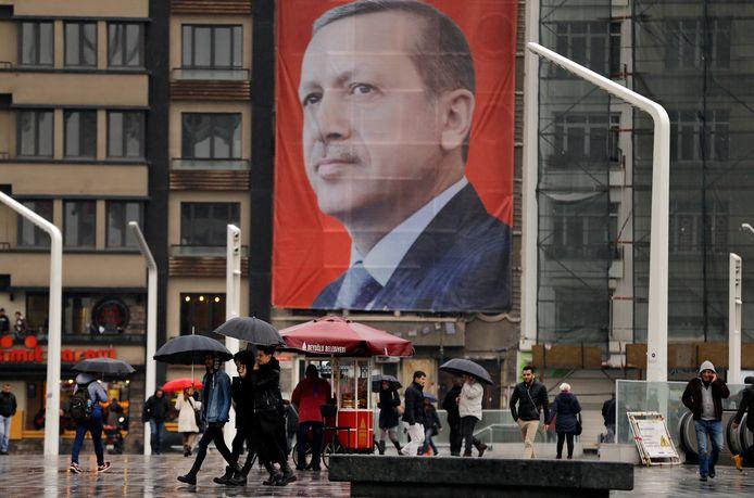 Een poster van de Turkse president Erdogan in het centrum van Istanboel.