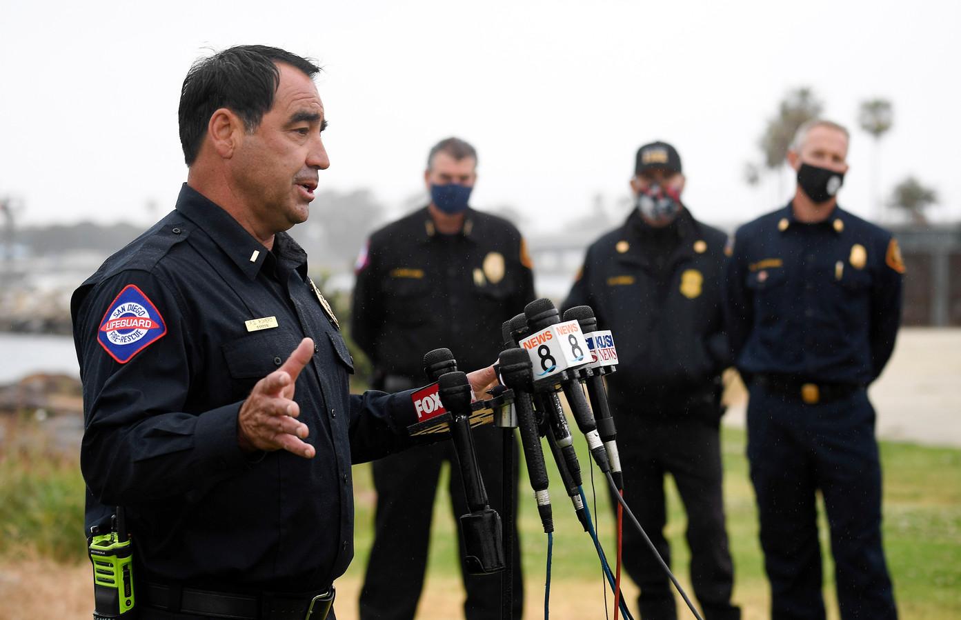 Strandwacht Rick Romero tijdens een persconferentie over de omgeslagen smokkelboot.