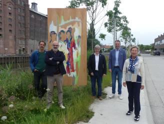 """KADE-leerlingen eren ex-directeur William met beeldenroute van Deinze tot Kasteel Ooidonk: """"Mooiste cadeau dat ik kon krijgen"""""""