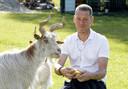 Alex Bos, tot voor kort beheerder van het dierenparkje in het Schijndelse Veronicapark.