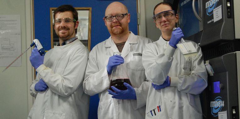 Microbiologen Aled Roberts, Steve Diggle en Freya Harrison. Beeld University of Nottingham