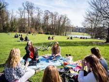 Zorgen over hangjongeren en hangouderen in coronatijd: 'Goffertpark zit vol ouderen, dat kan echt niet'