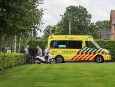 Scooterrijder gewond naar ziekenhuis na valpartij Terschuur