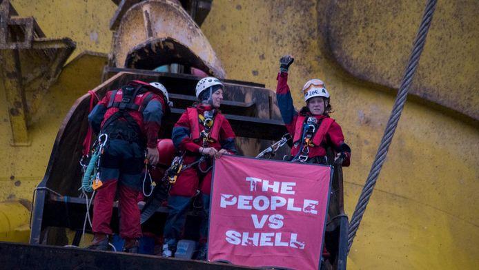 Actievoerders op de Polar Pioneer