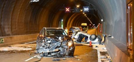 Oorzaak dodelijk ongeluk Westerscheldetunnel: auto van vrouw viel stil, auto's klapten er bovenop
