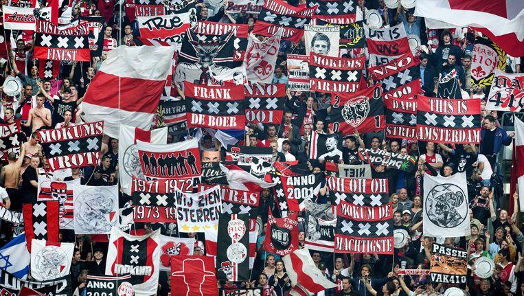 Ajax-supporters tijdens een thuiswedstrijd in de ArenA. Beeld EPA