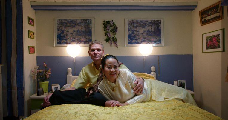 Niels en Sommai zijn inmiddels 25 jaar getrouwd. Beeld