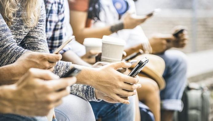93% van de Belgen maakt dagelijks  gebruik van zijn of haar smartphone.