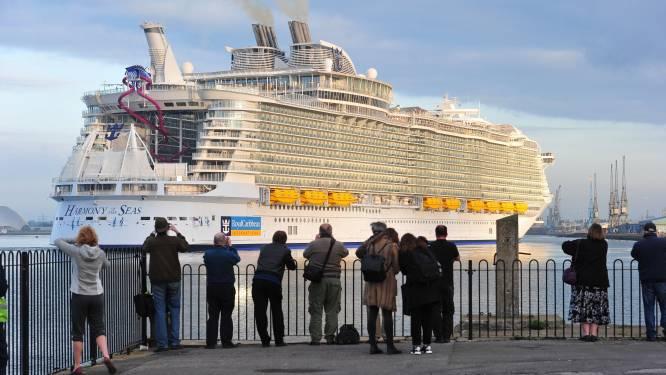 Grootste cruiseschip ter wereld onderweg naar NL