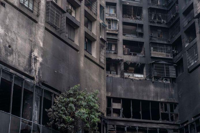 Le pareti sono state lasciate nere mentre il fuoco di Kaohsiung è stato spento