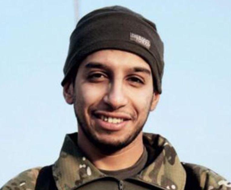 De leider van de terreurcel die in Parijs had toegeslagen, Abdelhamid Abaaoud. Pas onthulde documenten wijzen erop dat nog twee extra IS-militanten moesten toeslaan in Parijs.