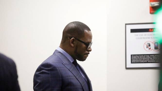 Getuige in proces R. Kelly: moest me verkleden als scoutingmeisje