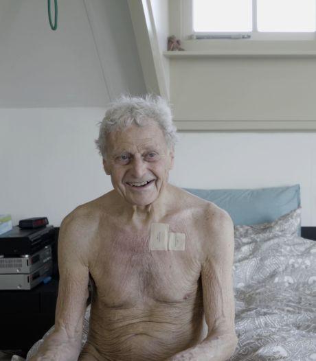 Floor besloot te stoppen met eten en drinken, zijn zoon filmde zijn laatste dagen