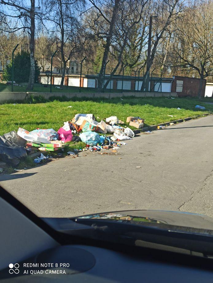 La cité de l'Allée Verte à Jumet (Charleroi) était dans un état lamentable samedi.