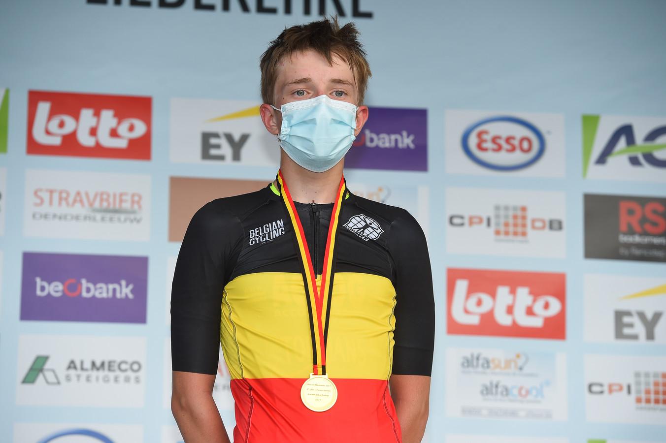 Niels Driesen is de verrassende Belgische kampioen bij de tweedejaars nieuwelingen.
