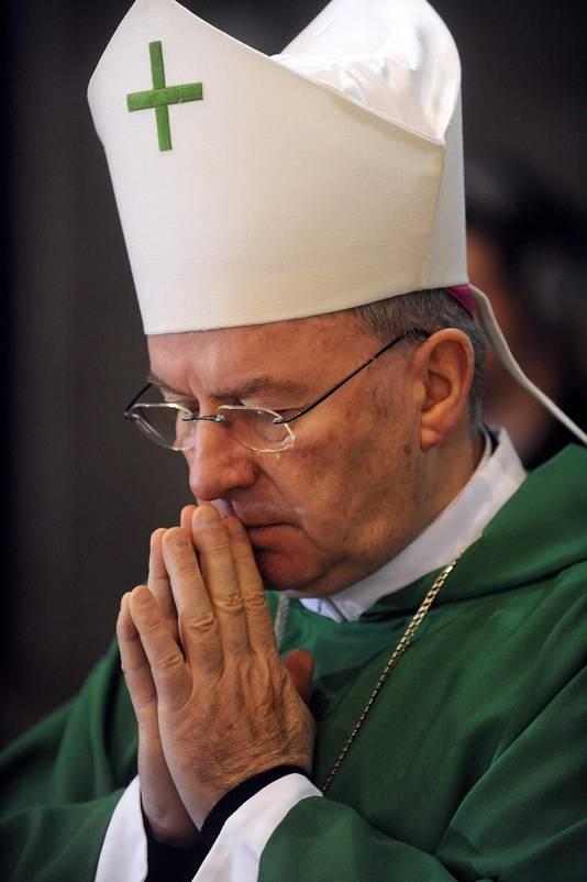 Mgr Luigi Ventura.