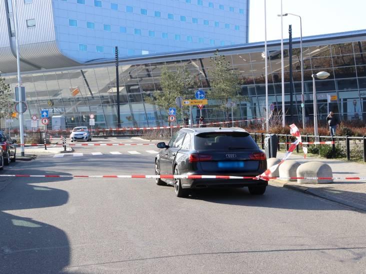 Man aangehouden na steekpartij bij Eindhoven Airport, slachtoffer gewond naar ziekenhuis