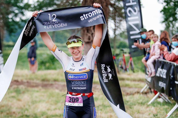 Sonja Skevin pakte afgelopen zondag de winst in de halve triatlon van Lievegem. De Gentse Kroatische zal ongetwijfeld dit seizoen nog meer van zich laten spreken.