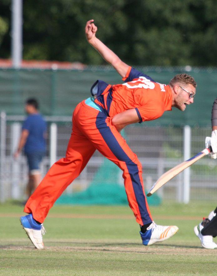 Viv Kingma mag eindelijk weer met het Nederlands cricketteam spelen. Foto: VCC