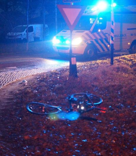 Afslaande automobilist rijdt fietser aan in Aalten